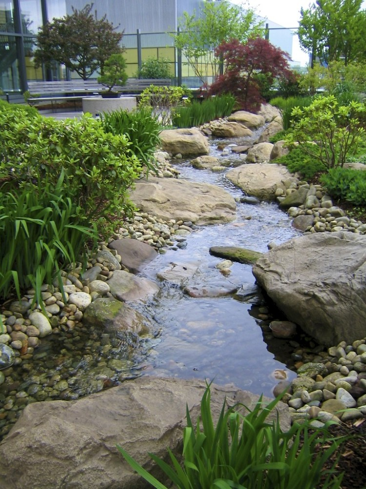 Smilow Cancer Hospital healing garden
